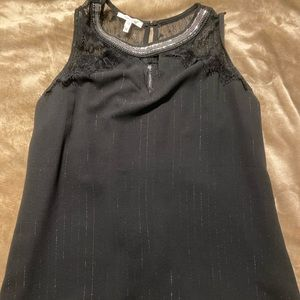 Sz med dressy Maurices top